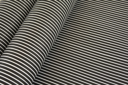 Wrapping-Paper-Gloss-stripes-bw